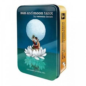 sun and moon tarot in a tin / таро солнца и луны в жестяной коробке,